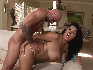 Big titted babe Jaylene Rio is making a titjob