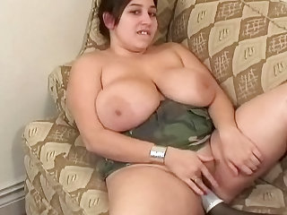Very fat chick fuck her shaved puss with toys