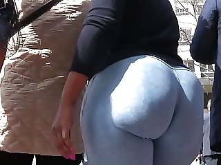 huge donk ass GLUTEUS DIVINUS