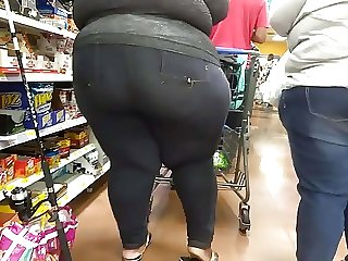 Humpty Dumpty BBW in checkout line