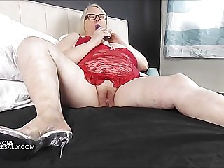 Bare legs, pvc shoes, wet pussy and a toy!!!
